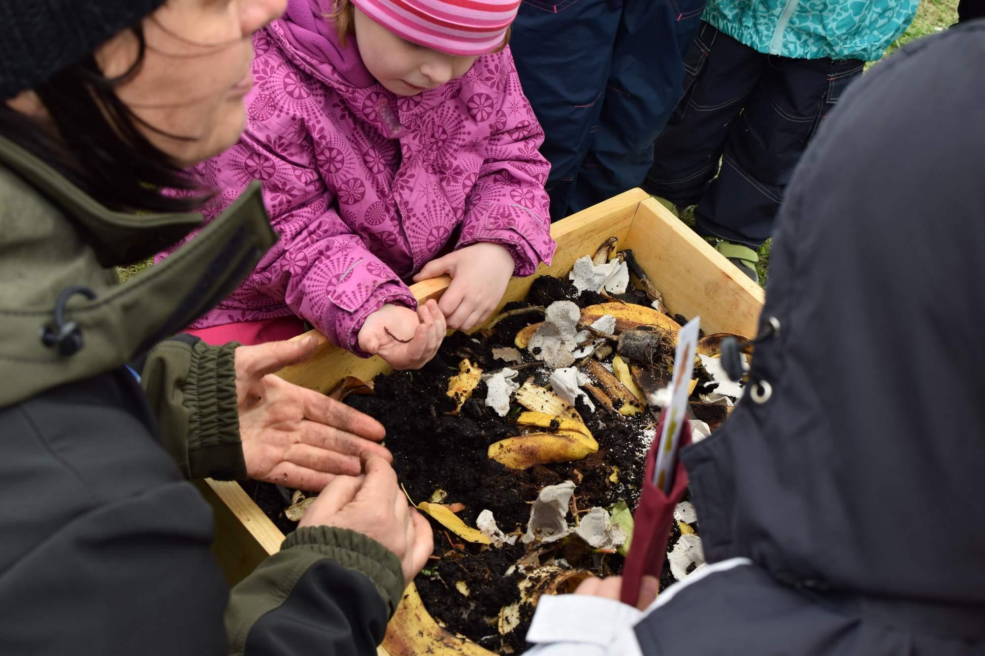 Podle Babáčkové je důležité, aby se děti naučily mít vztah k přírodě již od malička. Foto: Lenka Jebáčková