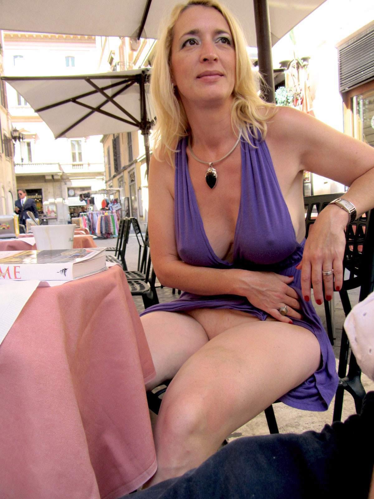 http://img24.rajce.idnes.cz/d2402/13/13133/13133717_9c6391c5702f90347cd7f2ea12218ba5/images/111.jpg