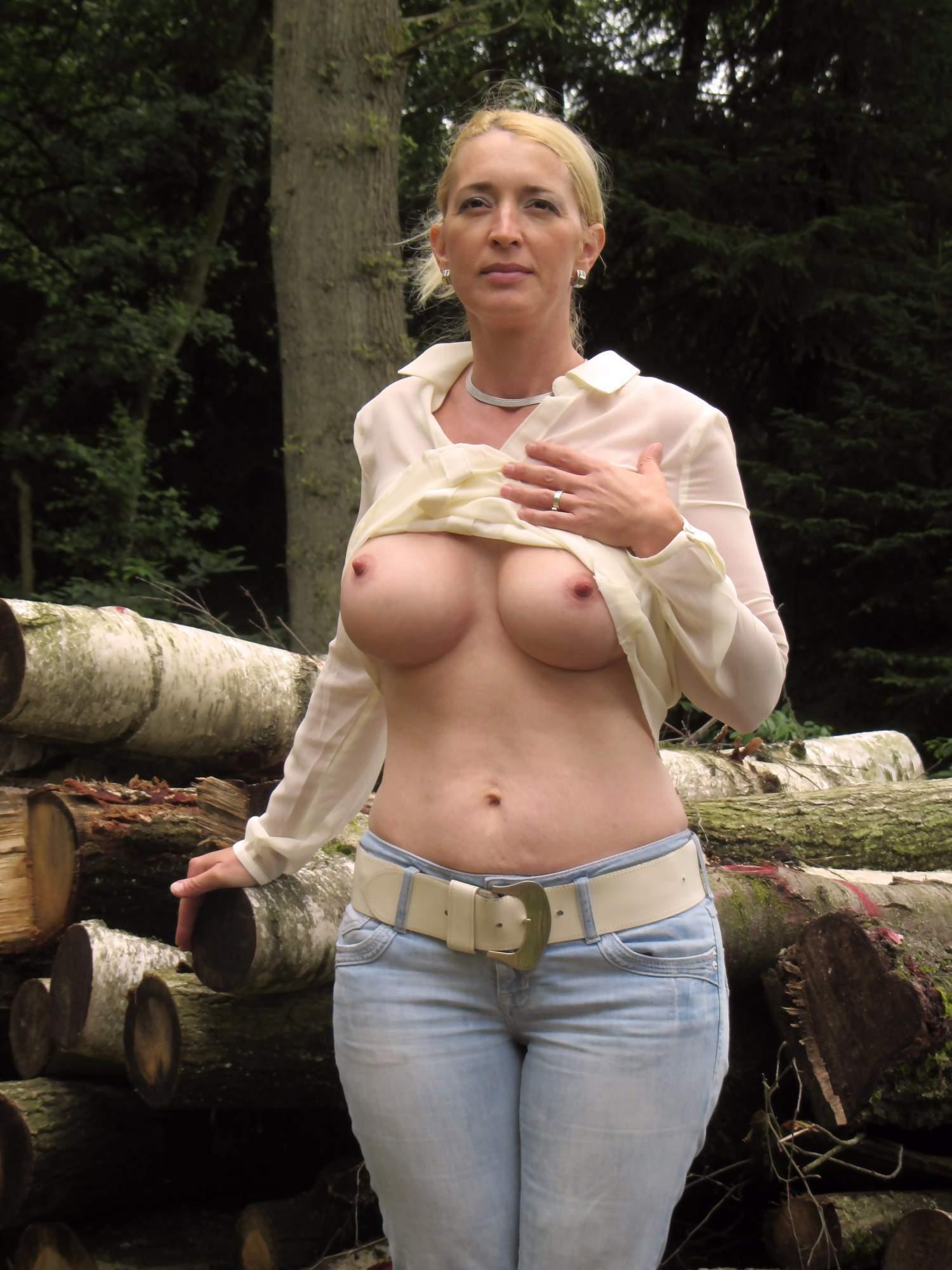 http://img24.rajce.idnes.cz/d2402/13/13133/13133717_9c6391c5702f90347cd7f2ea12218ba5/images/123.jpg