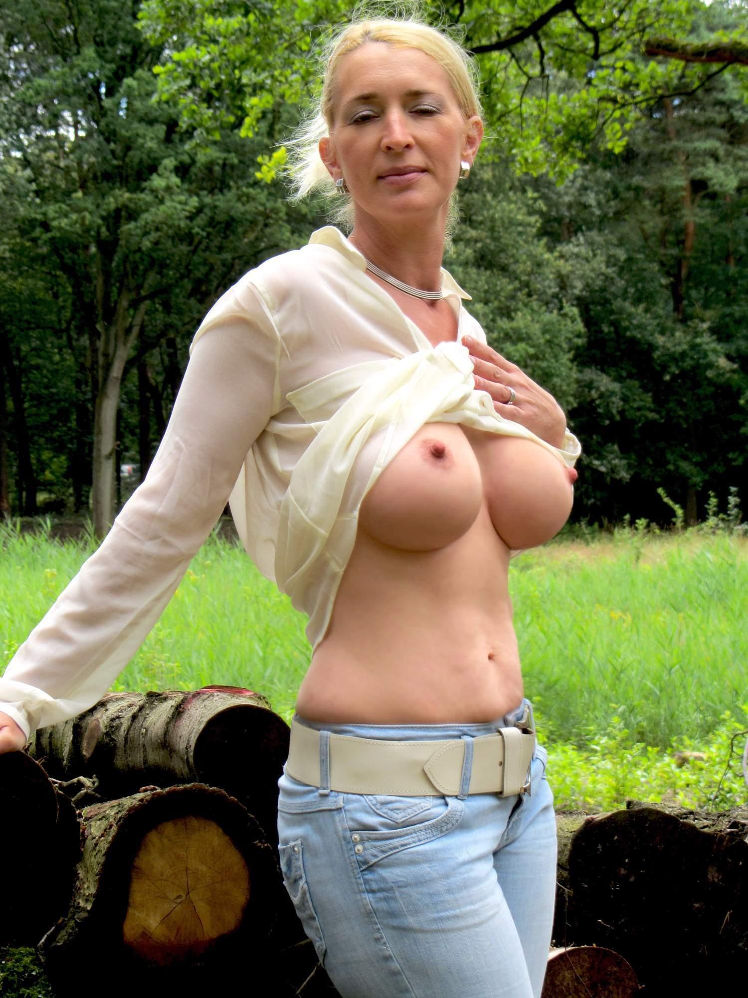 http://img24.rajce.idnes.cz/d2402/13/13133/13133717_9c6391c5702f90347cd7f2ea12218ba5/images/124.jpg