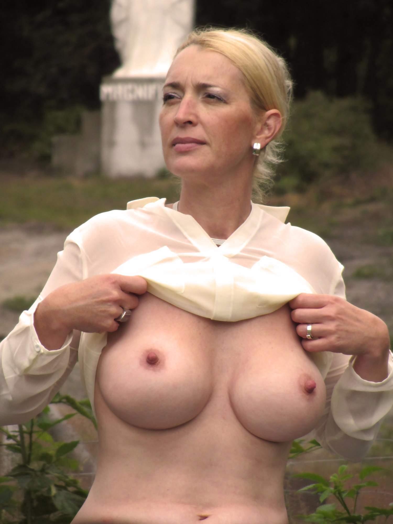 http://img24.rajce.idnes.cz/d2402/13/13133/13133717_9c6391c5702f90347cd7f2ea12218ba5/images/125.jpg