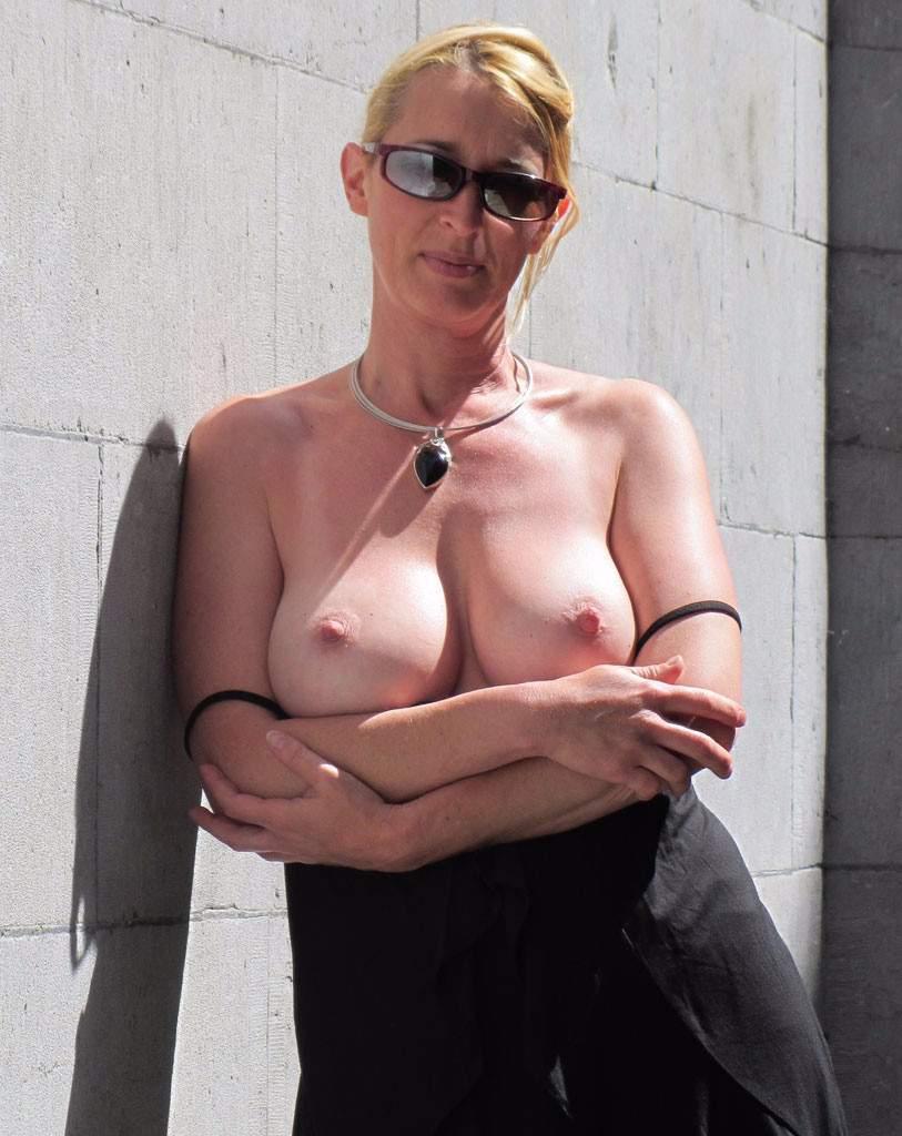 http://img24.rajce.idnes.cz/d2402/13/13133/13133717_9c6391c5702f90347cd7f2ea12218ba5/images/160.jpg