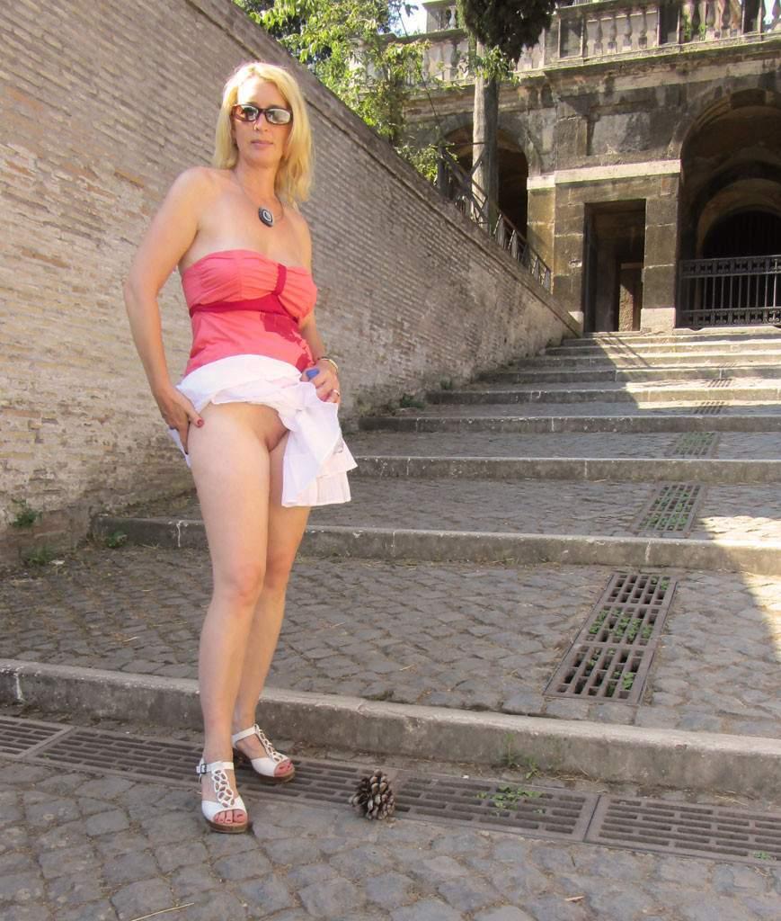http://img24.rajce.idnes.cz/d2402/13/13133/13133717_9c6391c5702f90347cd7f2ea12218ba5/images/168.jpg