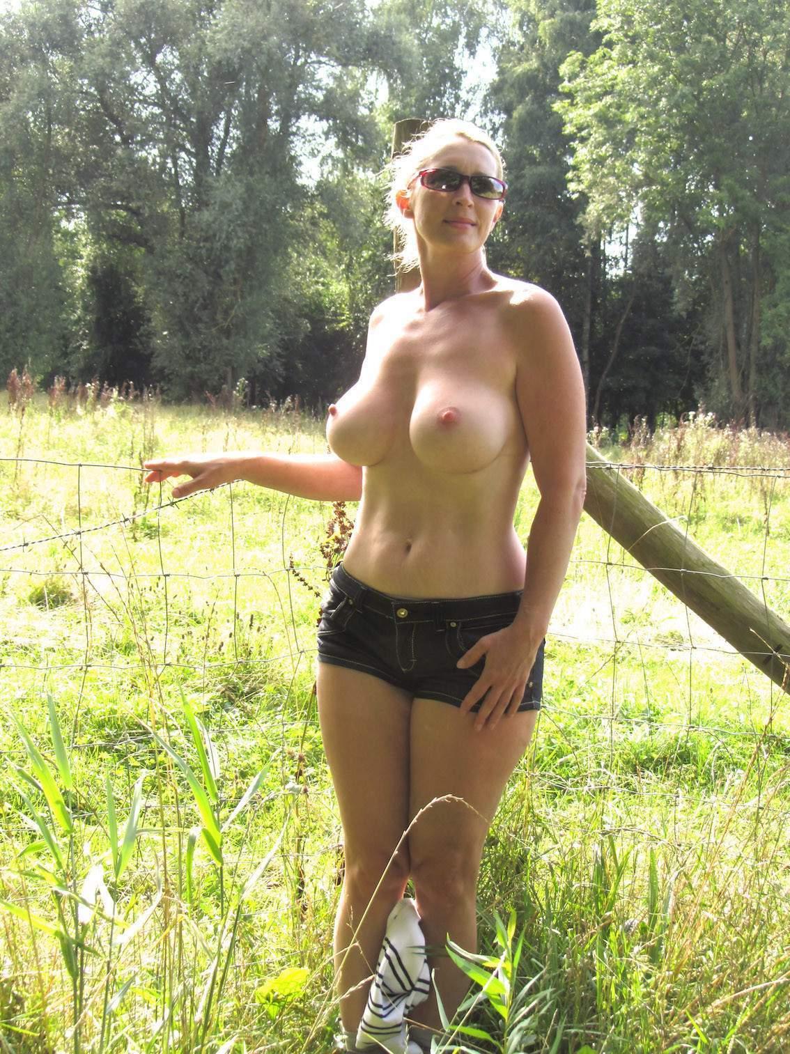 http://img24.rajce.idnes.cz/d2402/13/13133/13133717_9c6391c5702f90347cd7f2ea12218ba5/images/179.jpg