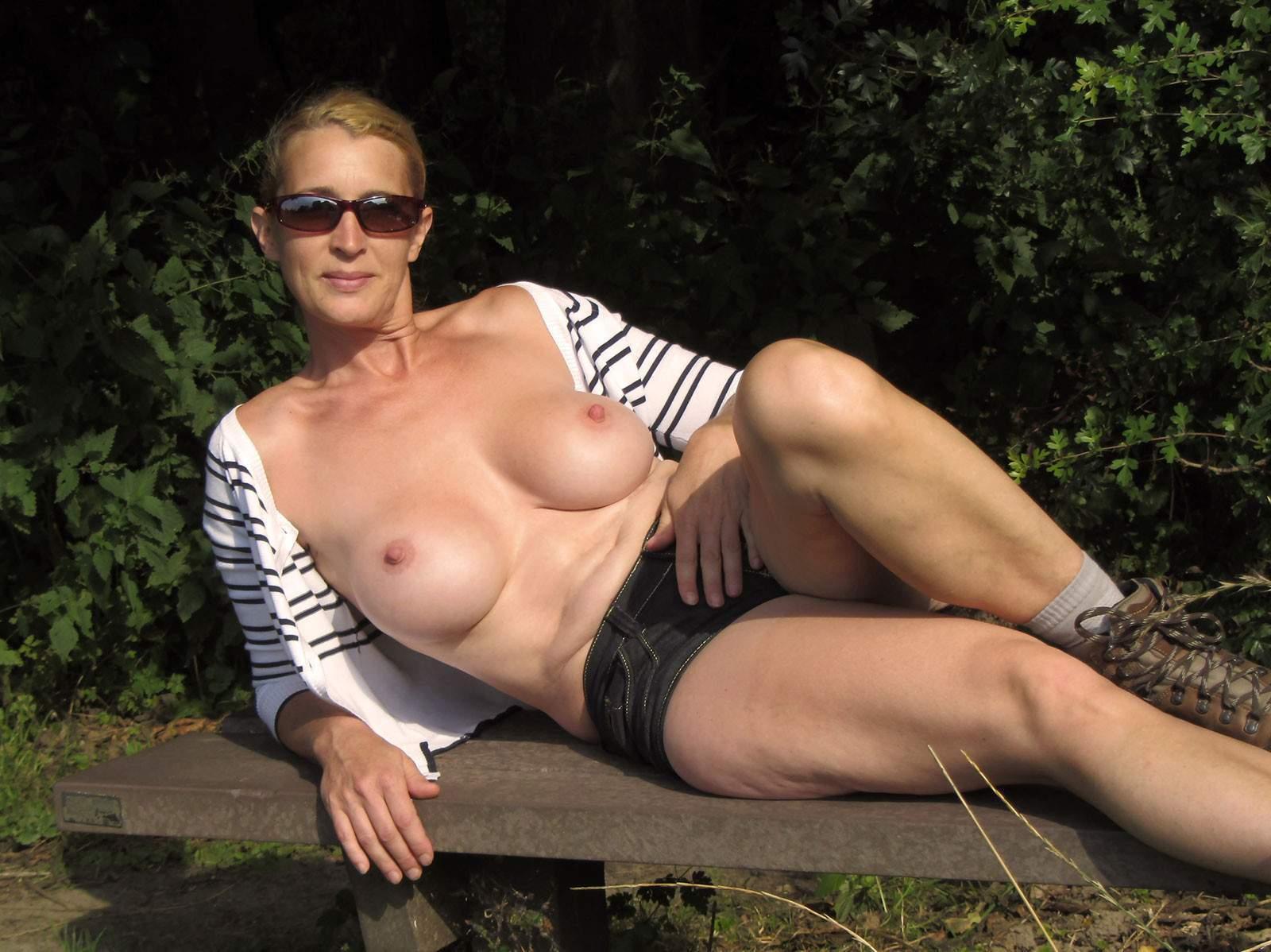 http://img24.rajce.idnes.cz/d2402/13/13133/13133717_9c6391c5702f90347cd7f2ea12218ba5/images/180.jpg