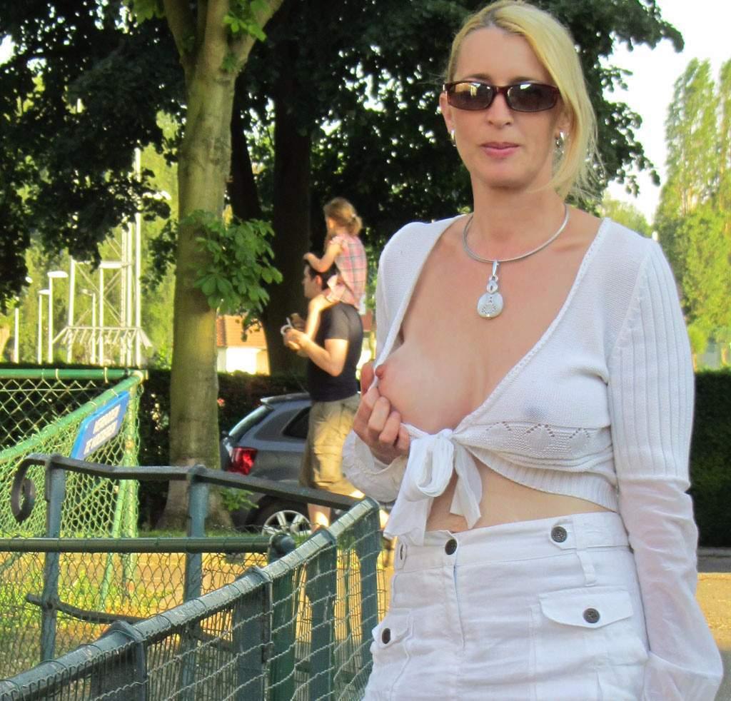 http://img24.rajce.idnes.cz/d2402/13/13133/13133717_9c6391c5702f90347cd7f2ea12218ba5/images/192.jpg