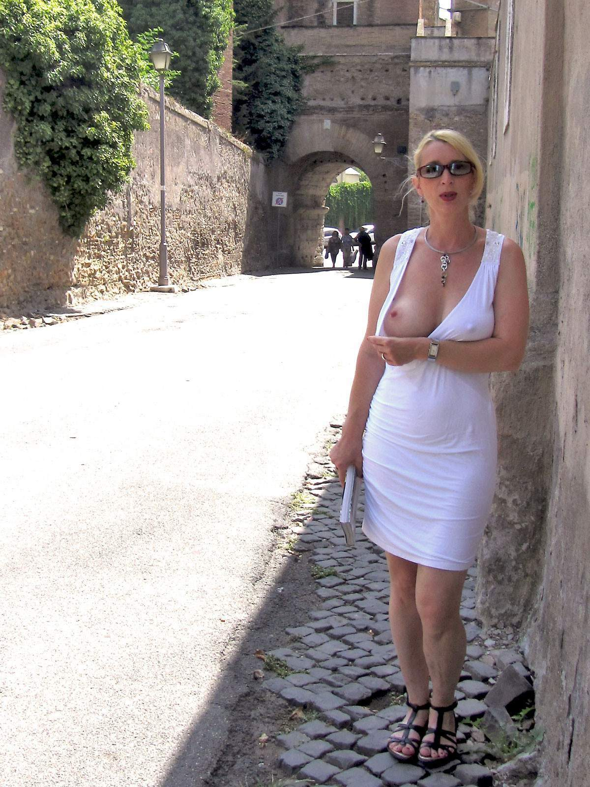 http://img24.rajce.idnes.cz/d2402/13/13133/13133717_9c6391c5702f90347cd7f2ea12218ba5/images/210.jpg