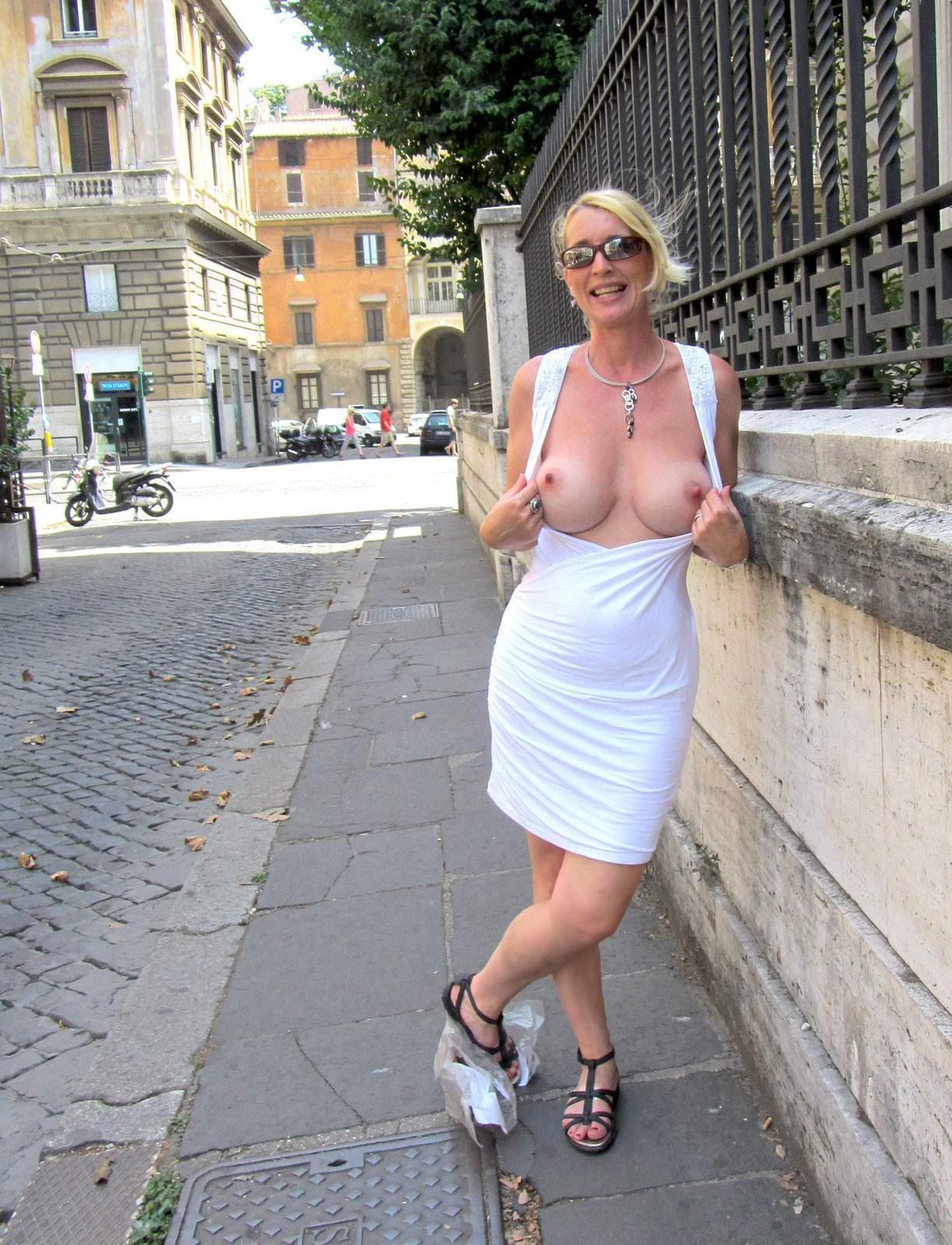 http://img24.rajce.idnes.cz/d2402/13/13133/13133717_9c6391c5702f90347cd7f2ea12218ba5/images/211.jpg