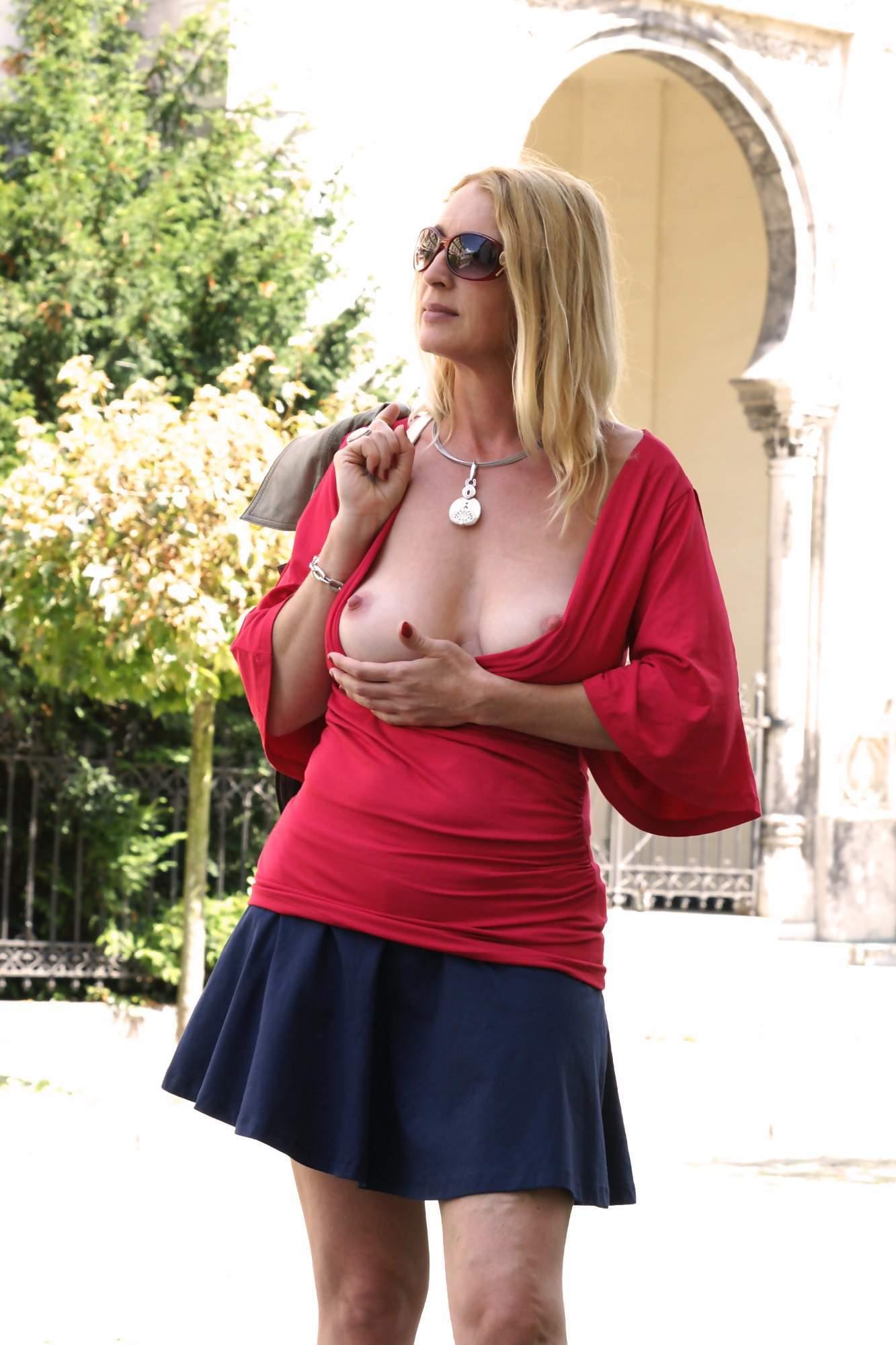 http://img24.rajce.idnes.cz/d2402/13/13133/13133717_9c6391c5702f90347cd7f2ea12218ba5/images/34.jpg