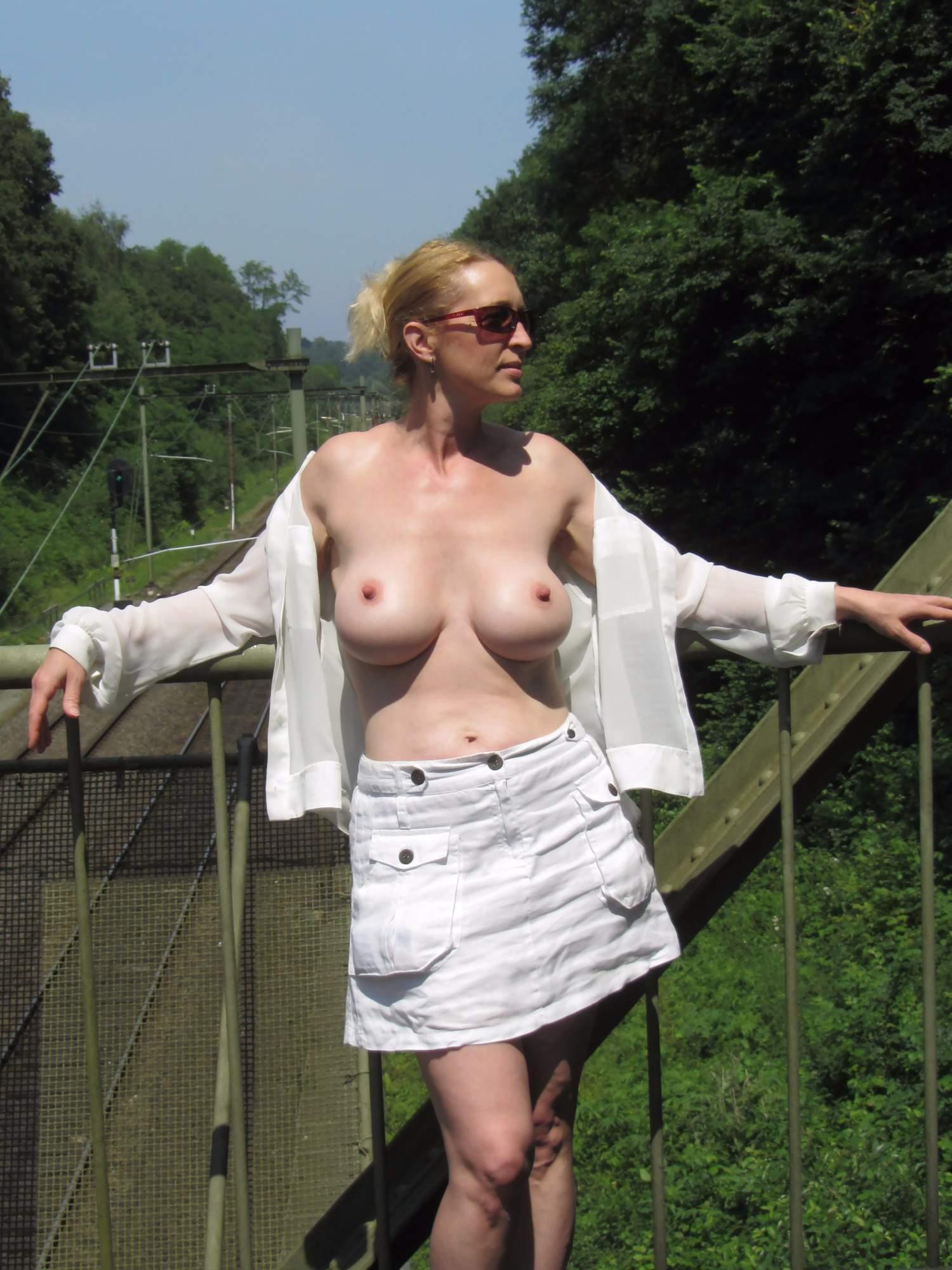http://img24.rajce.idnes.cz/d2402/13/13133/13133717_9c6391c5702f90347cd7f2ea12218ba5/images/77.jpg