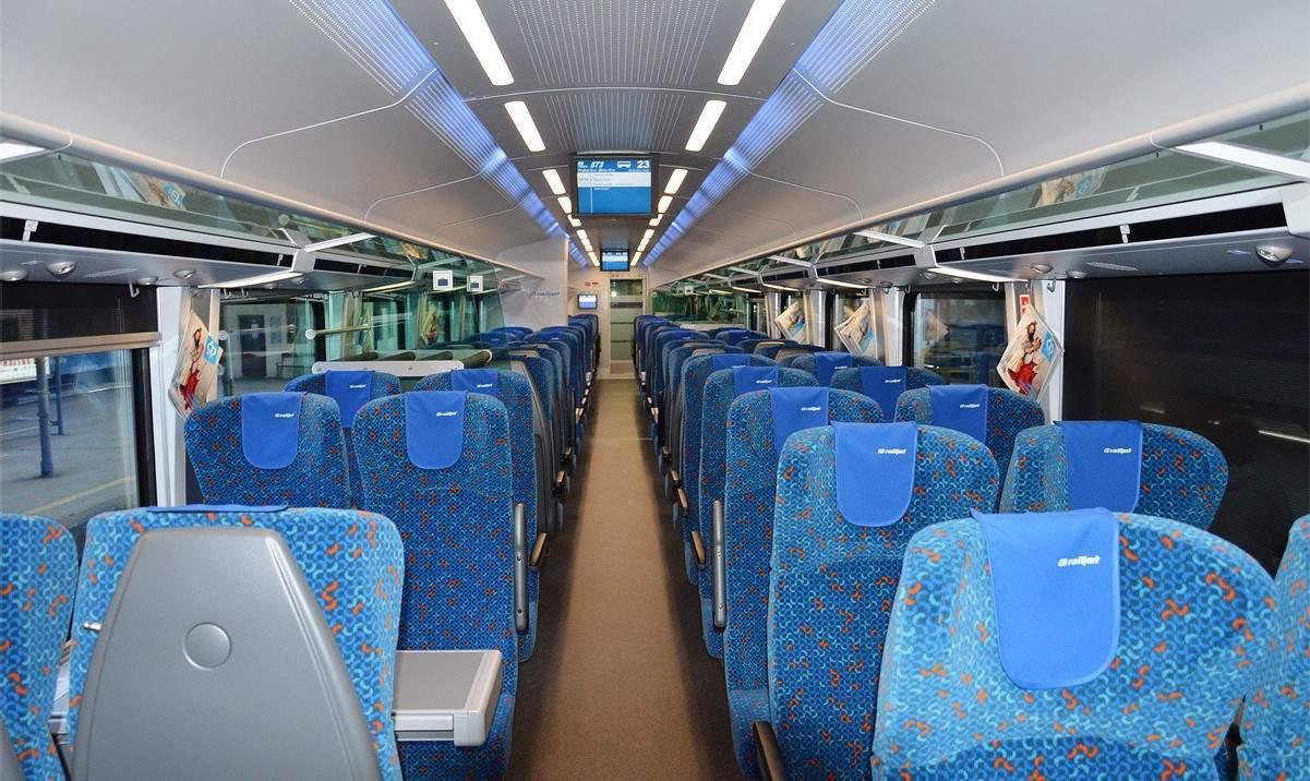 Interiér jednotky railjet, kterou České dráhy nasazují na trasu Praha - Brno - Vídeň - Graz