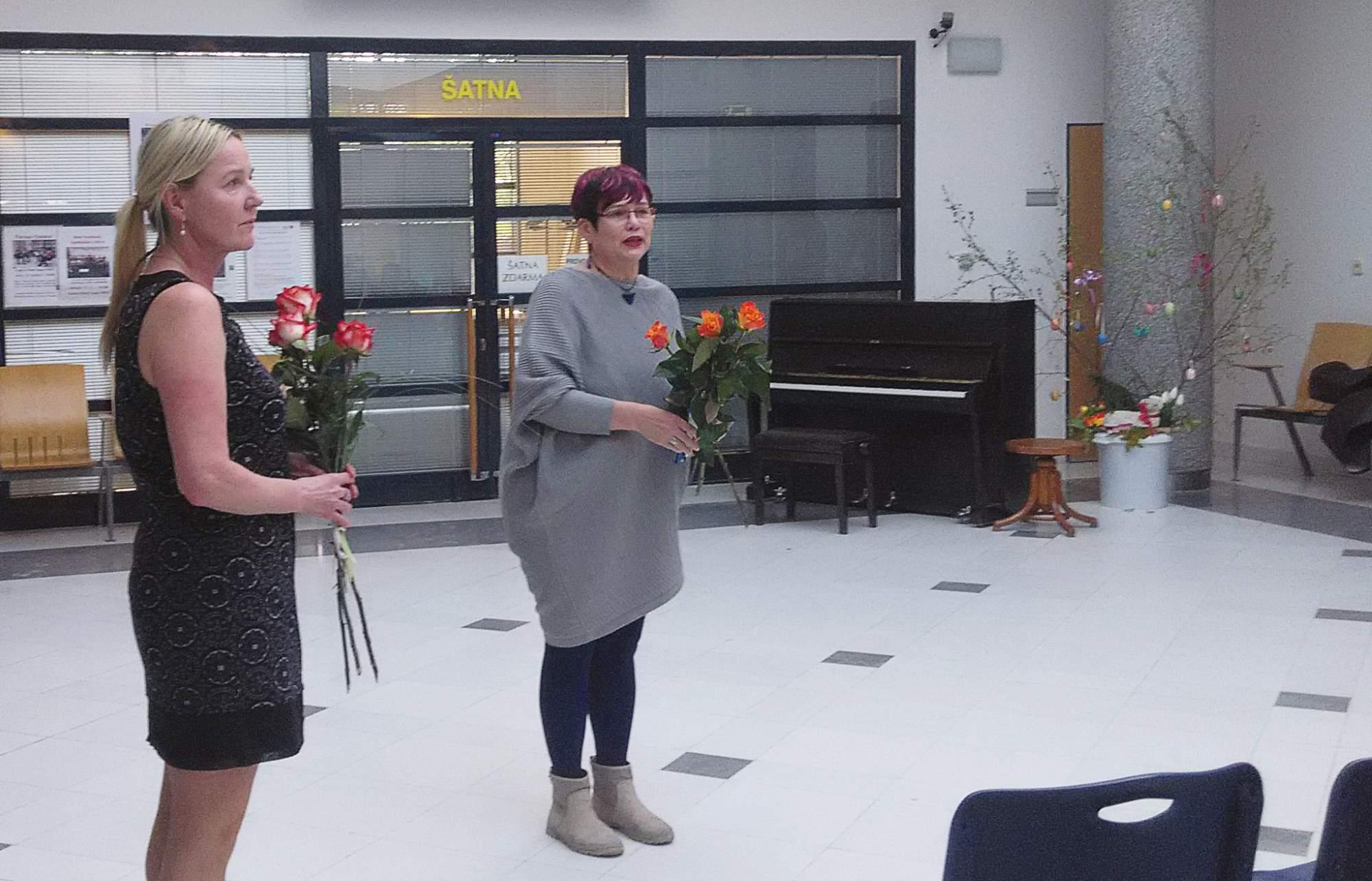 Pro Evu Londinovou (vlevo) je to již třetí výstava v Masarykově onkologickém ústavu. FOTO: Michael Malík.