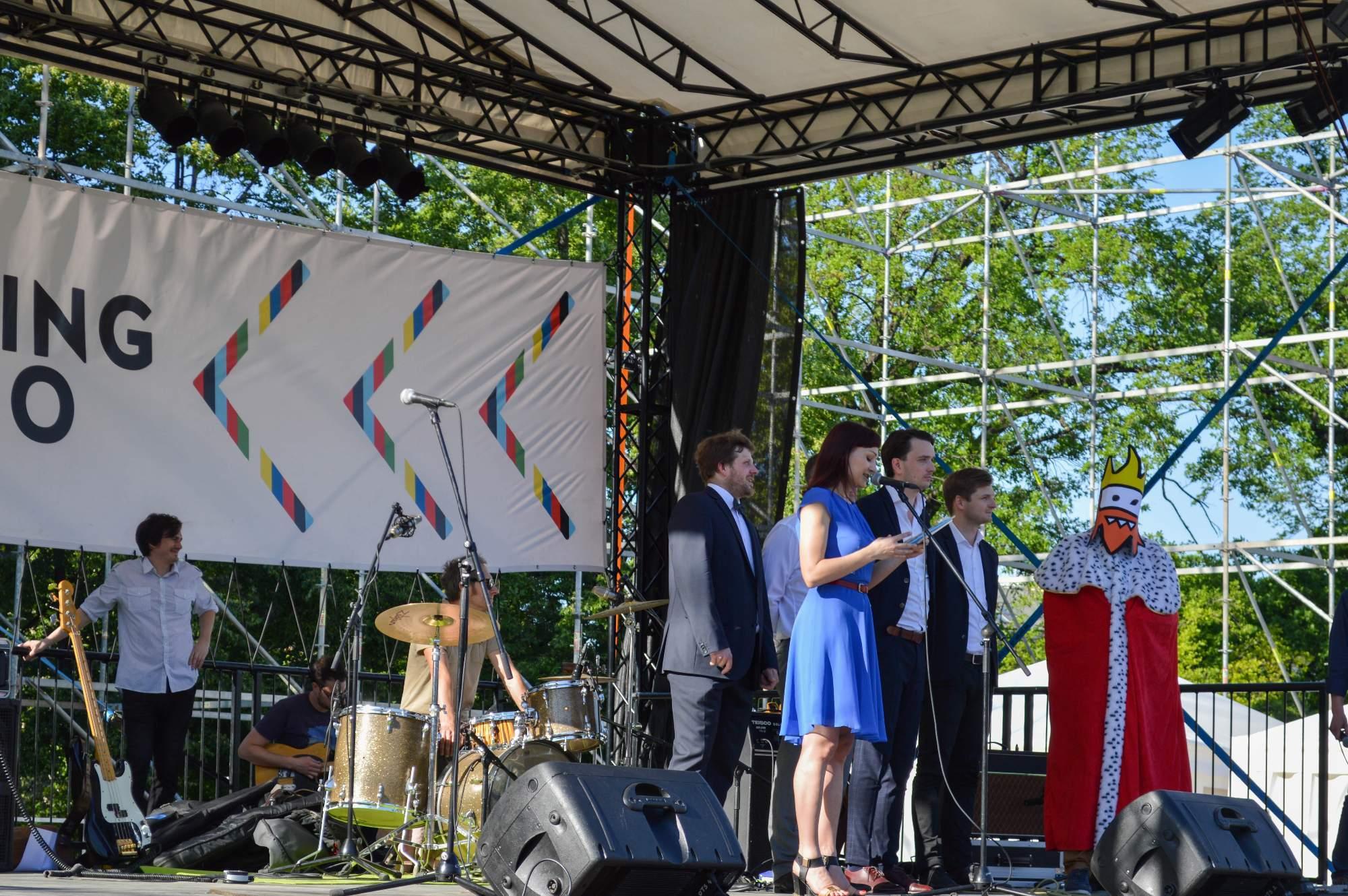 Zahájení festivalu Meeting se uskutečnilo na Moravském náměstí, kde vznikl Meeting point.
