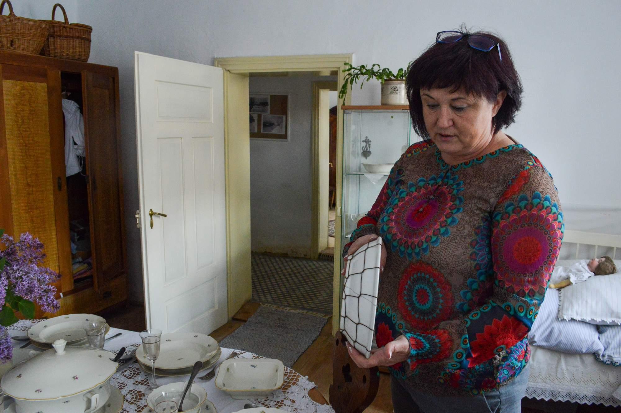 Spolumajitelka muzea v Krumvíři Věra Colledani je nadšenkyní do historie.