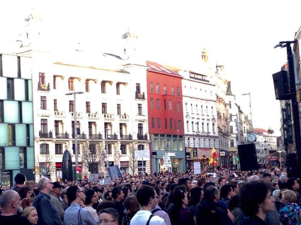 Demonstrace na brněnském náměstí Svobody. Foto: Tereza Kučerová