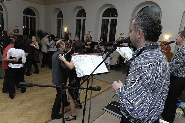 1. Podzimní benefiční ples Za jeden provaz 2009