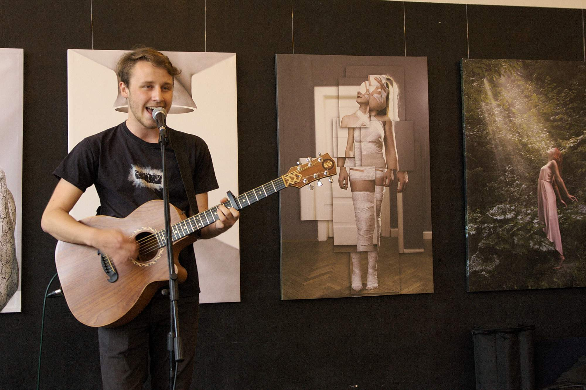 Na SemestrENDu vystoupil mladý hudebník Václav Svoboda, který studuje na Masarykově univerzitě. Na jeho vystoupení byly slyšet pozitivní ohlasy jak ze strany návštěvníků, tak ze strany zástupců přítomných spolků. Foto: Martina Hykšová