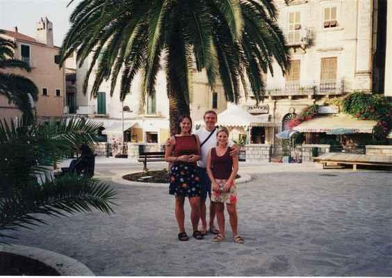 Přispějte mi prosím na tomto odkazu : https://www.paypal.com/donate?hosted_button_id=CLUH59A6K9FHS #Itálie #Gargáno #dovolená #prsatá #Jana