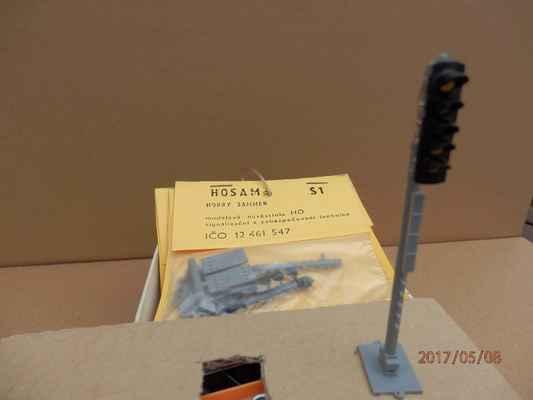 Zmizelí výrobci I. - Někdy kolem roku 2000 bylo možné sehnat stavebnici návěstidla AŽD od fy HOSAM.