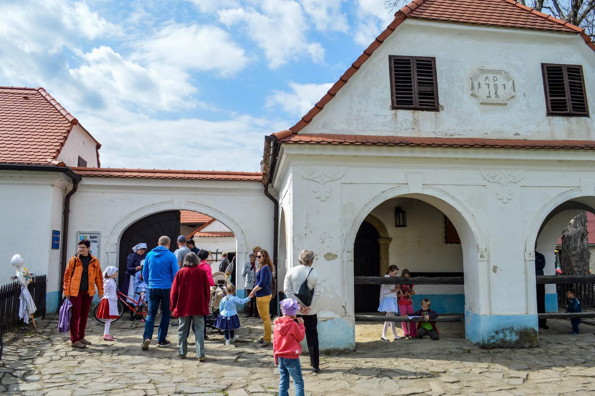 Barokní kovárna v Těšanech hostila slavnost vítání jara.
