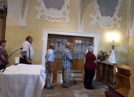 76 vystavení sochy Panny Marie Květnovské pro Boží lid na Květnově