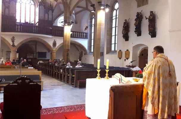 132 na návštěvě v sousedním chomutovském kostele Panny Marie při vikariátní mši