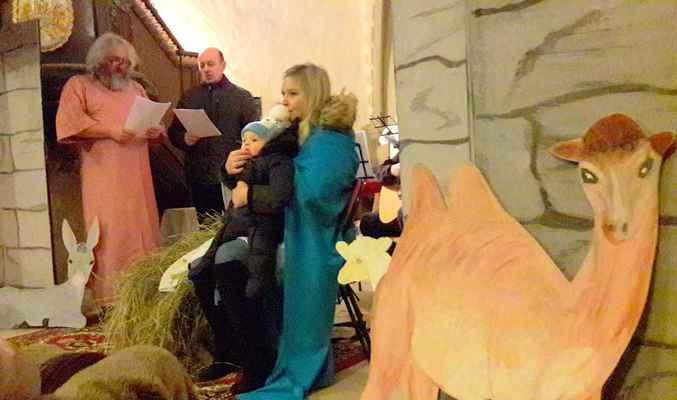134 vánoční scénka při koncertu Scholy sv.Marka v Sušanech