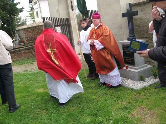 30 Okrskový vikář Řehoř vedl duchovní část pouti.