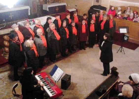 129 Koncert Jirkovský seniorek v kostele sv.Jiljí v Jirkově