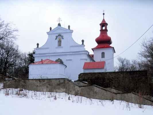 02 Poutní kostel Navštívení Panny Marie na Květnově v únoru 2017.
