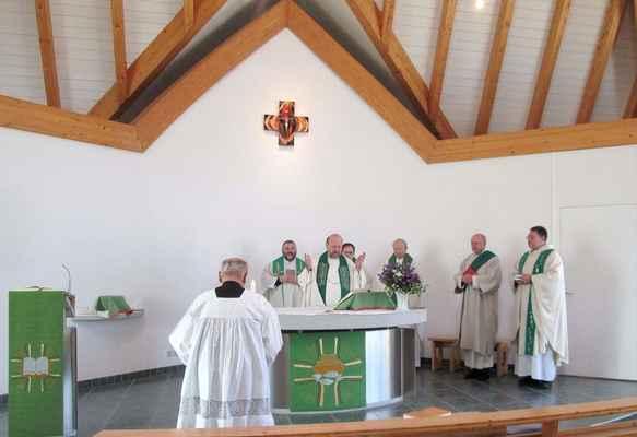 123 mše svatá v katolickém kostelíku v Olbernhau v Krušných horách - naši západní sousedé.