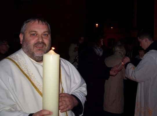 14 velikonoční vigilie v Jirkově, žehnání paškálu, všechny fotky: V.Wittmann