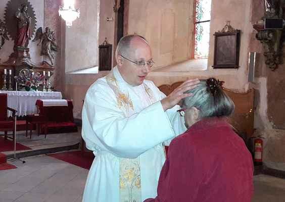 116 novokněžské požehnání uděloval v Jirkově a Sušanech otec Cyril Tomáš Matějec OPraem.
