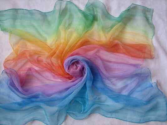 570-Duha - Ručně malované hedvábí - šátek 90x90 cm, materiál Chiffon, cena 500 Kč